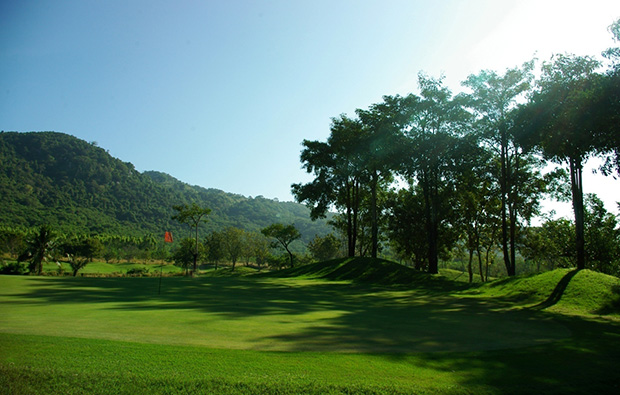 green, emerald golf club, pattaya, thailand