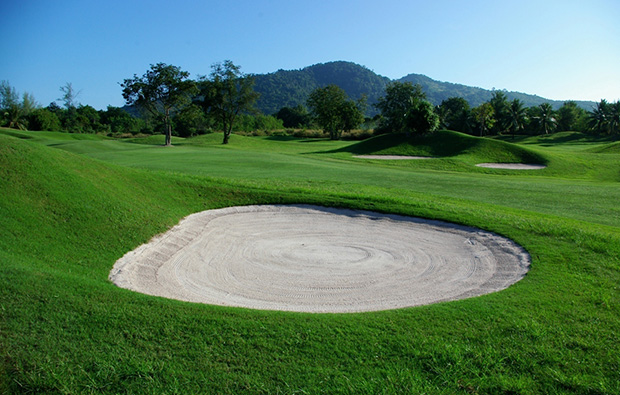 bunker, emerald golf club, pattaya, thailand