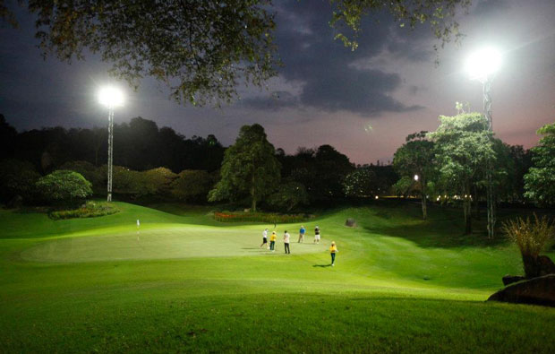 night golf at laem chabang international country club, pattaya, thailand